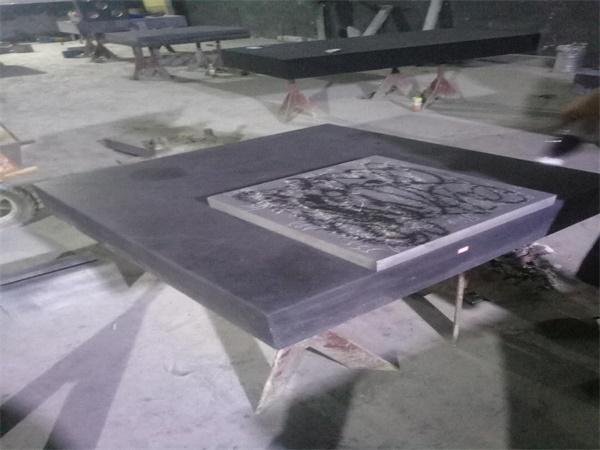 研磨中的1200型大理石平板