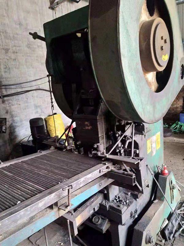 塑钢爬梯弯柄型生产机器展示